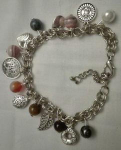 bracelet chemin de vie l'utile à l'agréable